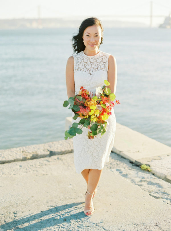 Sunny, beautiful bride, lisbon