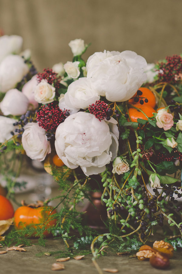 holidays flower centerpiece table setting and details