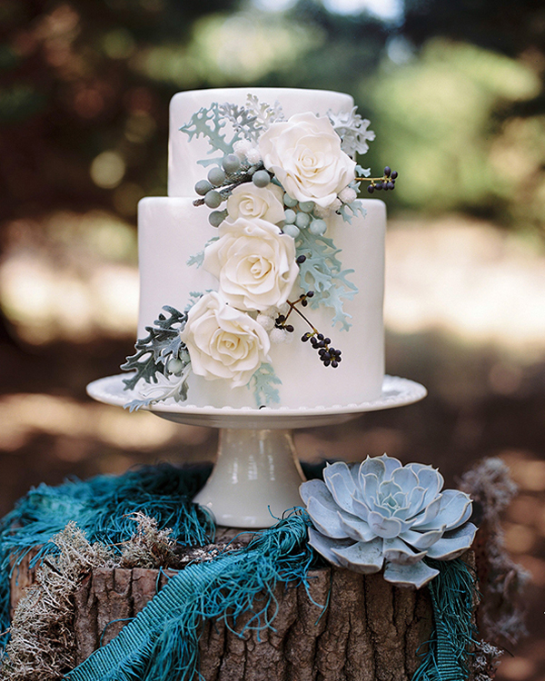 forest green themed wedding cake